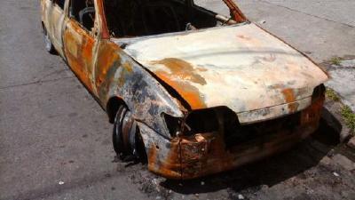 Dengue: Alerta por autos abandonados en la Comuna 15